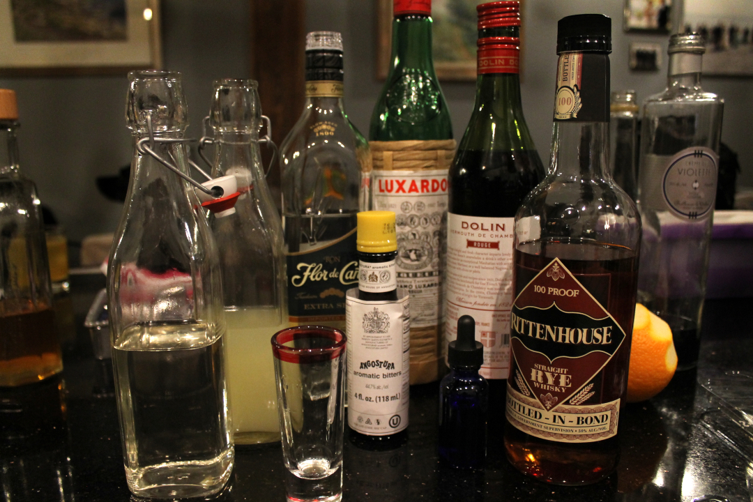 manhattan drink cocktail ingredients rum whiskey bitters (c) Ben Marcus